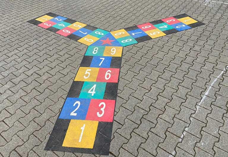 Schulhofgestaltung der Grundschule auf der Au